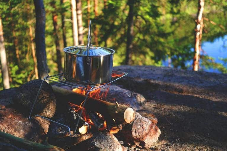 best camping cookwares for open fire and campfire