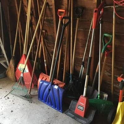 different types of shovels